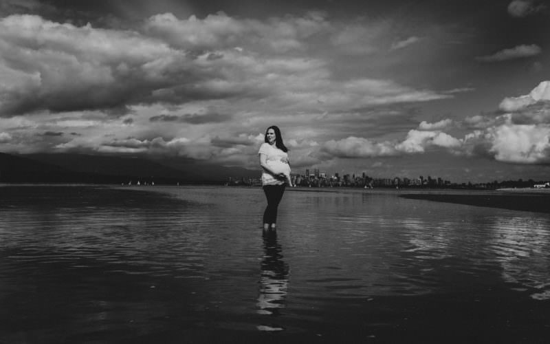 Vancouver Family photographer, family photography, maternity, newborn, family, baby bump, baby, ronnie lee hill photography