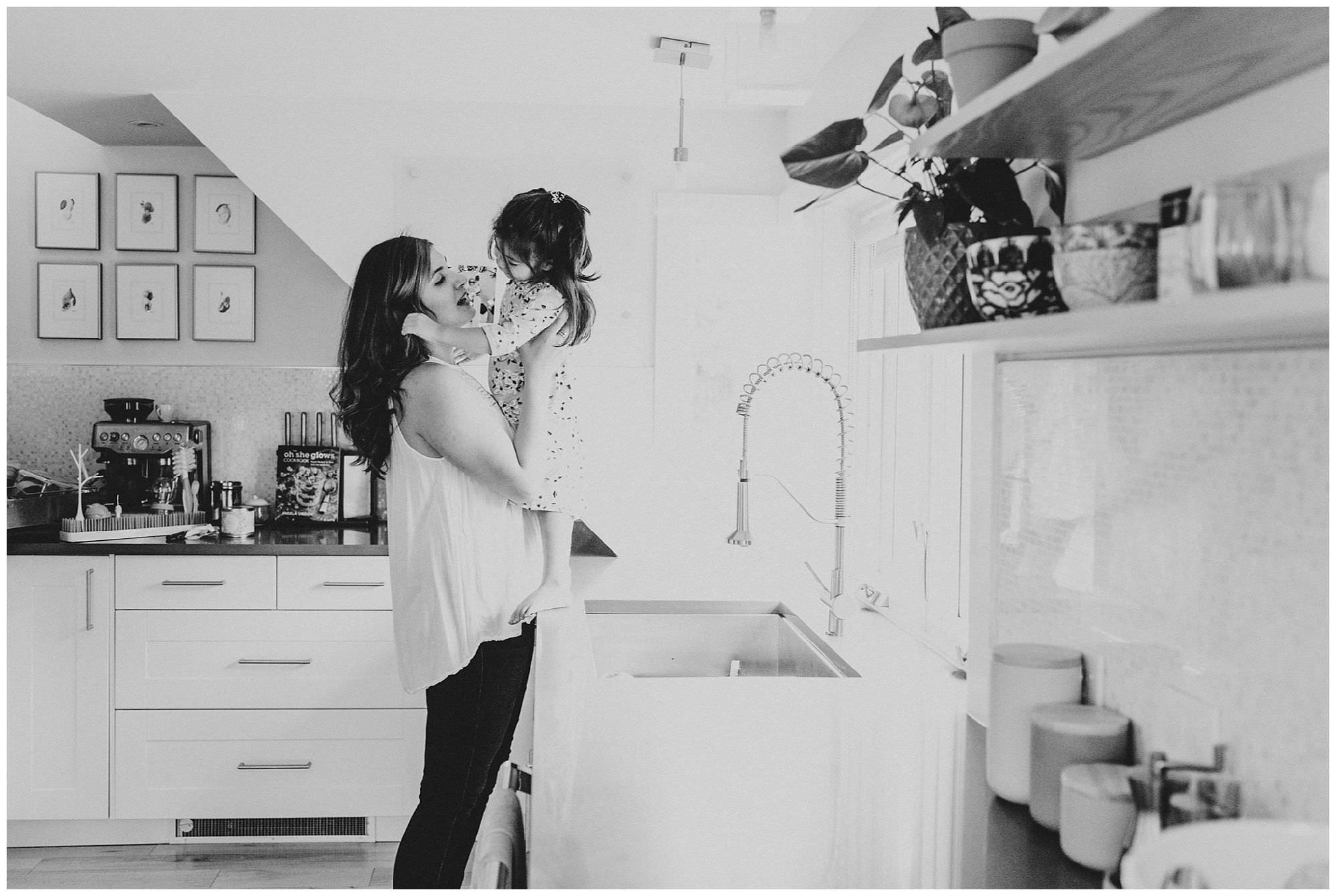mother-and-daughter-in-kitchen-lifestyle-session-Vancouver