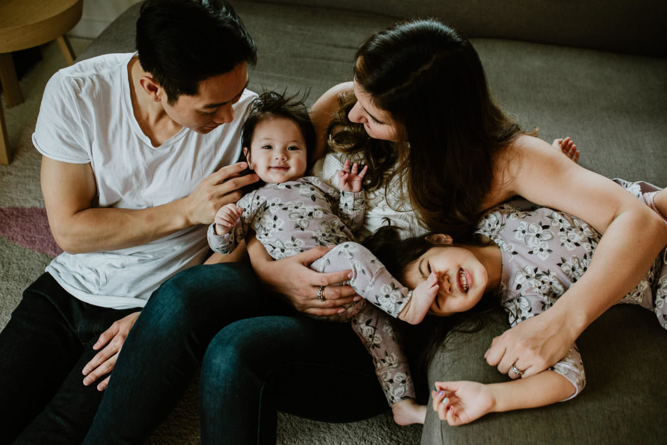 vancouver lifestyle family photographer, newborn photographer